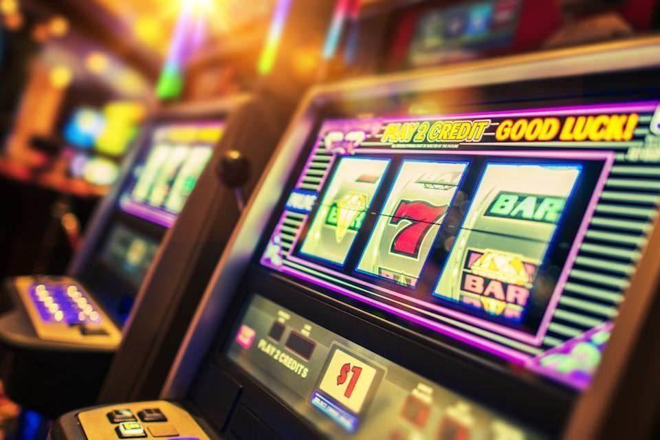 Игровые автоматы навязывают игрокам свою привлекательность с помощью звуков / Stereo.ru